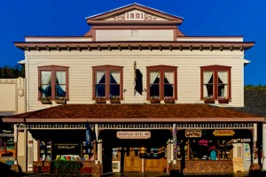 On your drive into Yosemite National Park in the small downtown of Mariposa, California, you will find the historic Mariposa Hotel Inn, a gem hidden in plain sight.